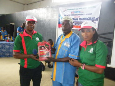 There were lots of Gift Prizes for attendants who purchased copies of NATA News magazine